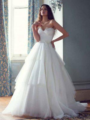Karen-Willis-Holmes-Gown4