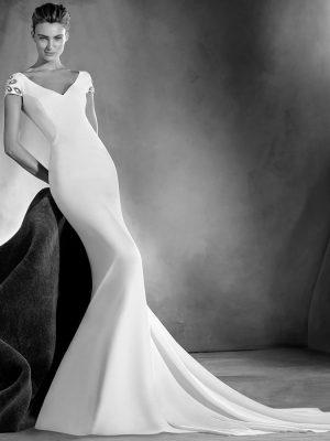 ELIA_B Gown