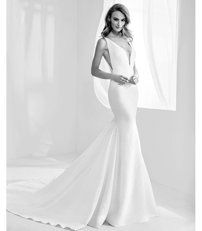 atelier-pronovias-racimo-gown