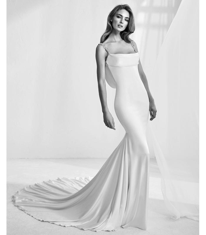 atelier-pronovias-rama-gown