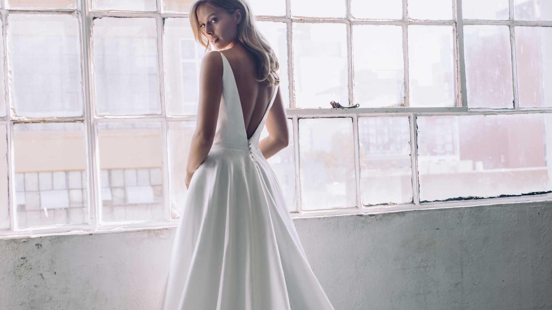 Slide-antonio-gual-kiki-dress-back
