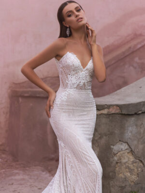 Model wearing Ivy-Bridal-Gown-by-Ari-Villoso