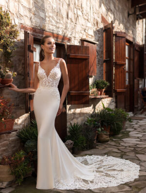 Model wearing Paola-Bridal-Gown-by-Ari-Villoso