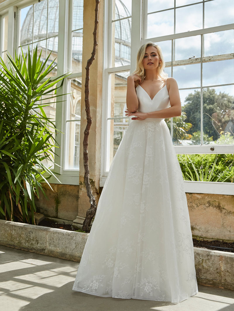 Sassi-Holford-Bridal-2021-Ashley-gown-front