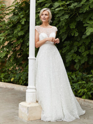Sassi-Holford-Bridal-2021-Dorothy-gown-front