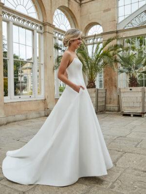 Sassi-Holford-Bridal-2021-Edna-gown-side