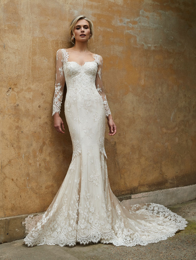 Sassi-Holford-Bridal-2021-Sanda-and-sleeves-gown-front